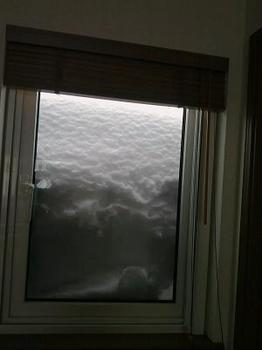 13.2.17.窓の雪.jpg