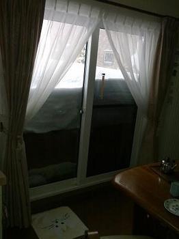 13.2.17.窓の雪1.jpg