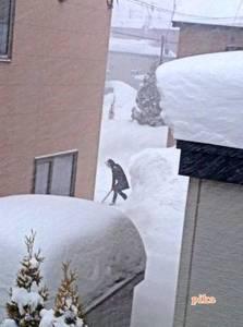 15.1.3.吹雪中雪かき.jpg